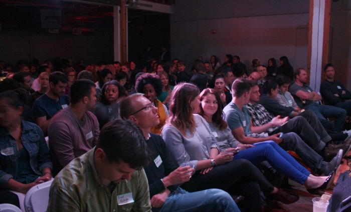 Crowd_Sitting