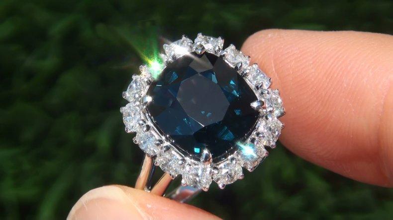 GIA Estate 7.02 ct UNHEATED VVS1 Blue Spinel Diamond 18k White Gold Vintage Ring