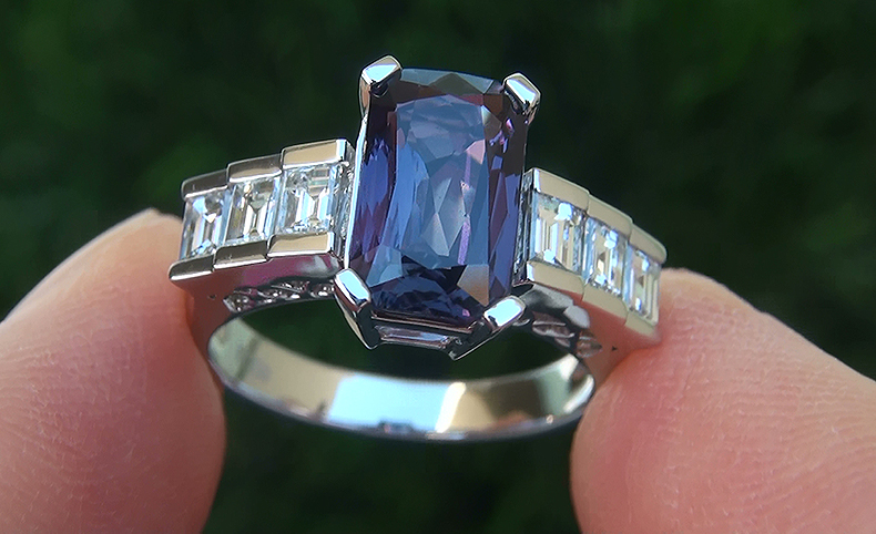 GIA 3.54 ct Unheated Natural VVS1 Color Change Sapphire Diamond Platinum Ring