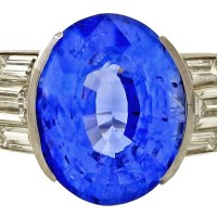 A Gorgeous Vintage 1940 Certified Oval Ceylon Cornflower Blue 6.02 Carat Platinum Diamond Ring
