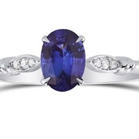 A Gorgeous Sapphire Gemstone Side Diamonds Side Stone Ring Set in 18K White Gold