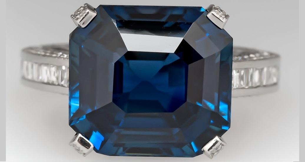 NEARLY 12 CARAT NO HEAT BLUE SAPPHIRE RING DIAMOND ENCRUSTED SETTING