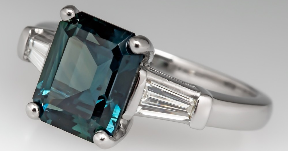 3 CARAT EMERALD CUT BLUE GREEN SAPPHIRE ENGAGEMENT RING PLATINUM