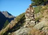 Grosso ometto nelle Alpi