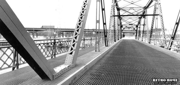 01181989_e_whitesboro_st-bridge_01_1000