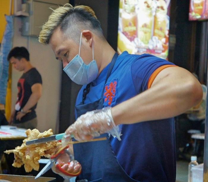 melaka-friday-night-street-market-51 | Malaysia: Melaka Friday Night Street Market | Lynn B. Walsh | BL | Black Lion Journal | Black Lion