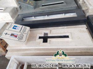 Makam Kristen Marmer