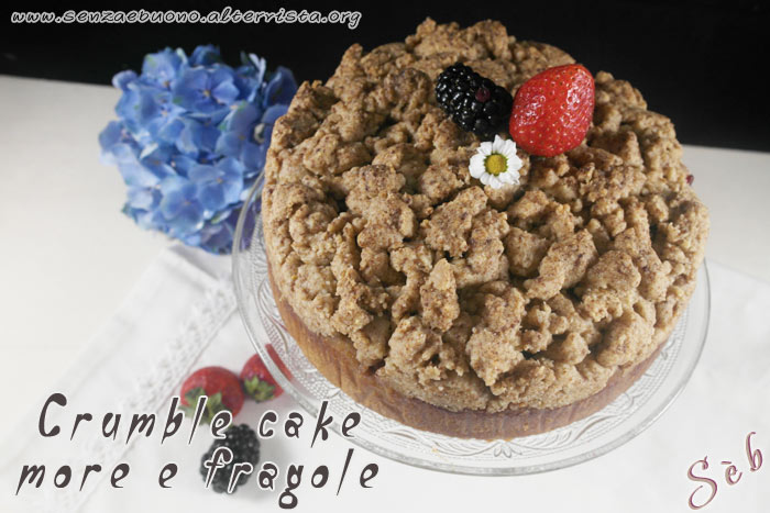 Crumble cake more e fragole