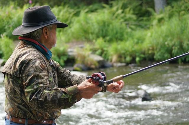 Horgász a botjával - de nem ez a Lenin botja :-)
