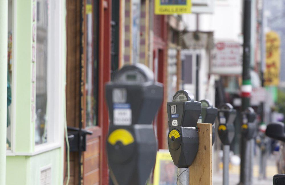 Stationnement réglementé et limité : comprendre les règles