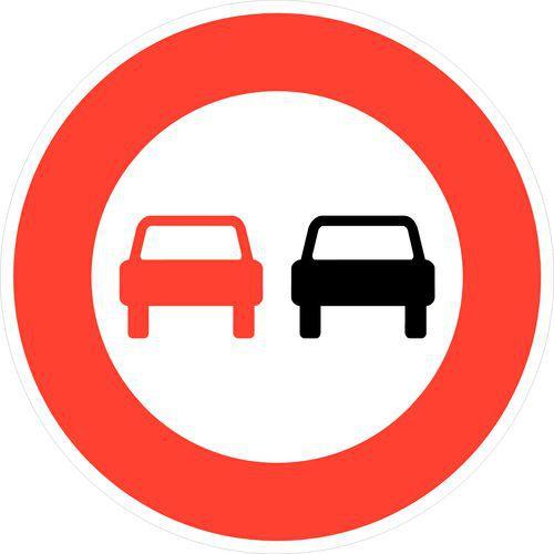 interdiction de dépasser un véhicule