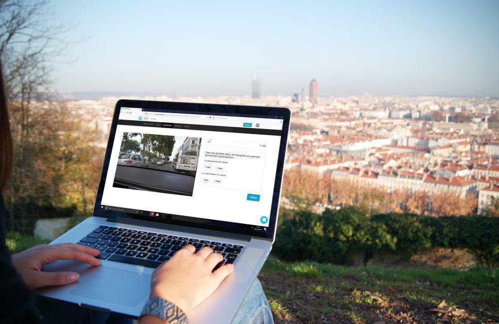 Entraînement code de la route en ligne avec Lepermislibre