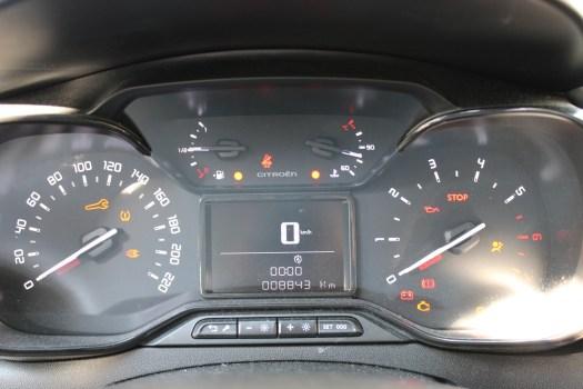 fonctionnement du moteur de voiture : le compteur du régime moteur