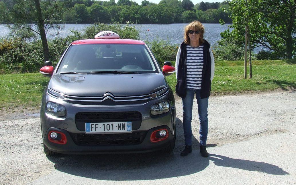 Isabelle, enseignante de la conduite à Lorient