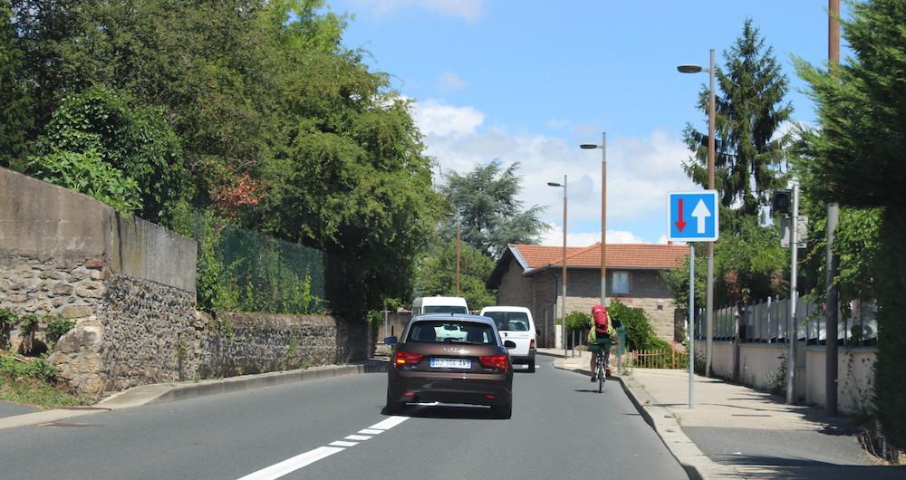 Panneau d'indication routière : les indications du code de la route