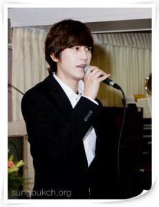 20140512_seoulbeats_superjunior_kyuhyun_church
