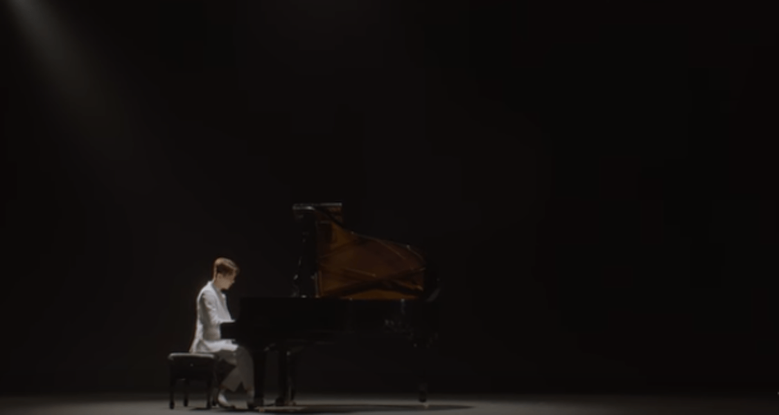"Jo Kwon Breaks Our Hearts With ""Lonely"""