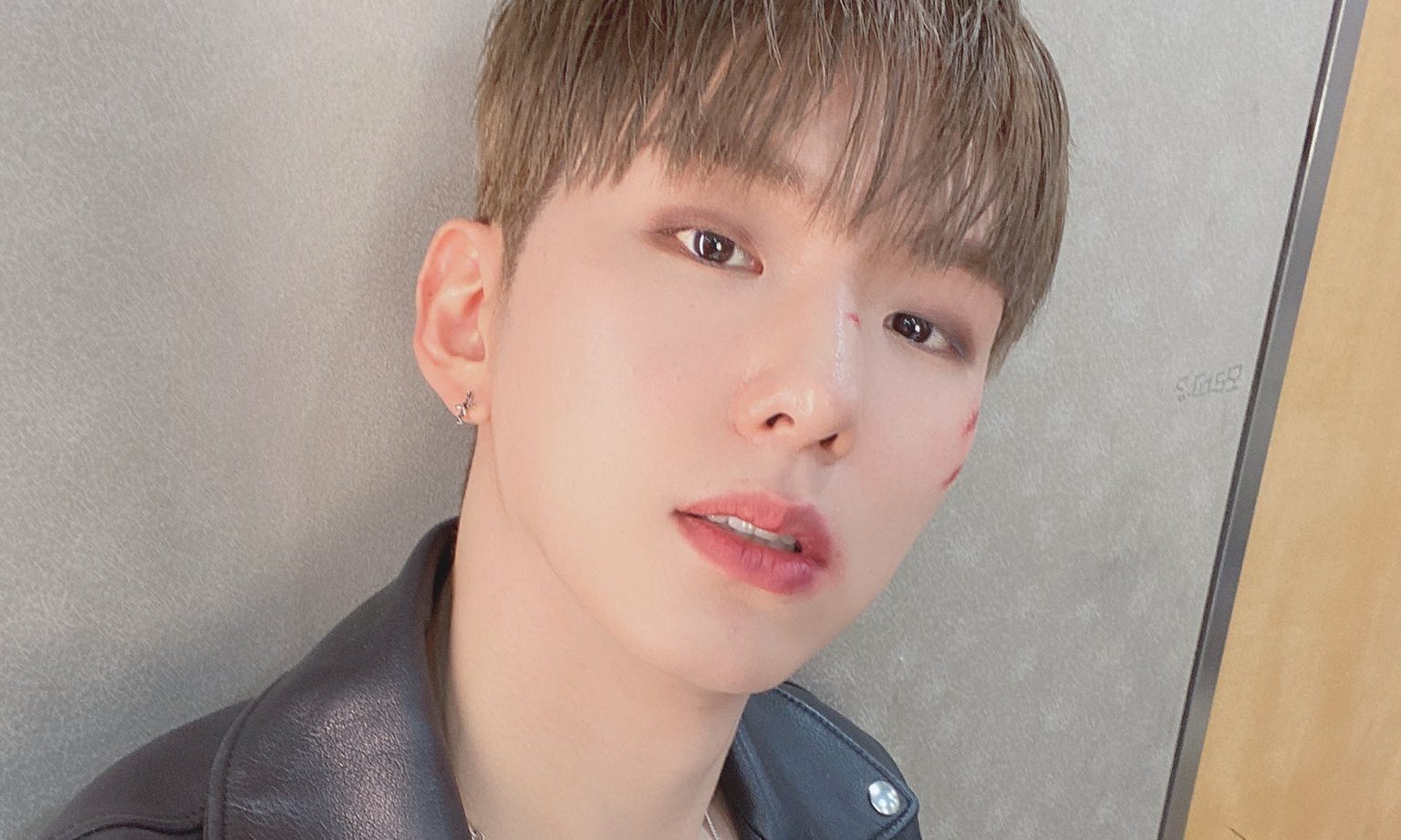 """MONSTA X's Kihyun Reveals A Brilliant Cover Of Christopher's """"Bad"""""""