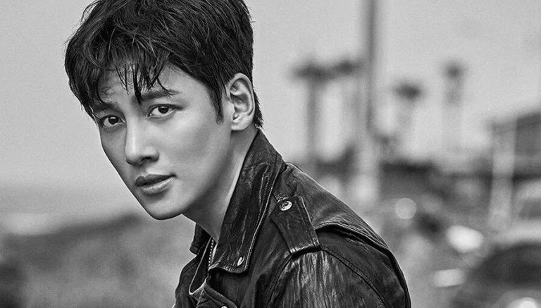 "Ji Chang Wook Reportedly Cast For Netflix Drama ""Annarasumanara"""