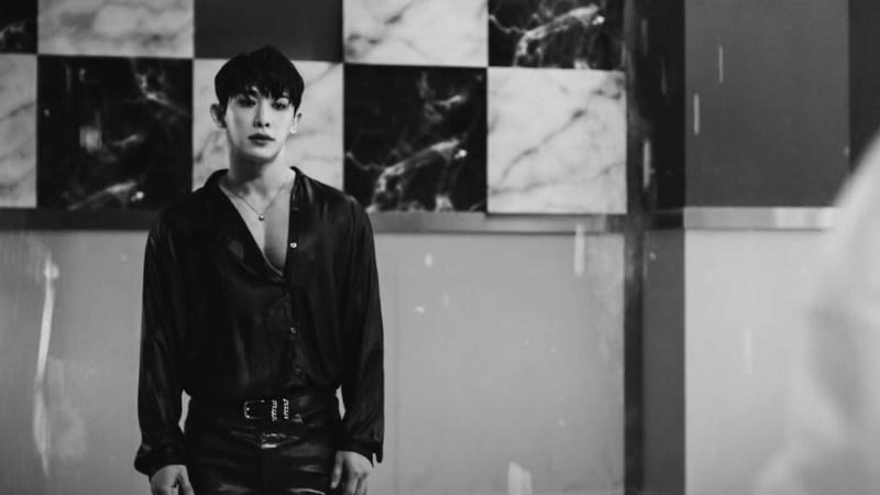 """Wonho Mesmerises In A Mystifying MV Teaser For """"LOSE"""""""