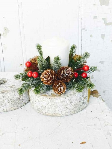Candle Ring Icy Berry With Mini Pine Cone Candle Ring 1