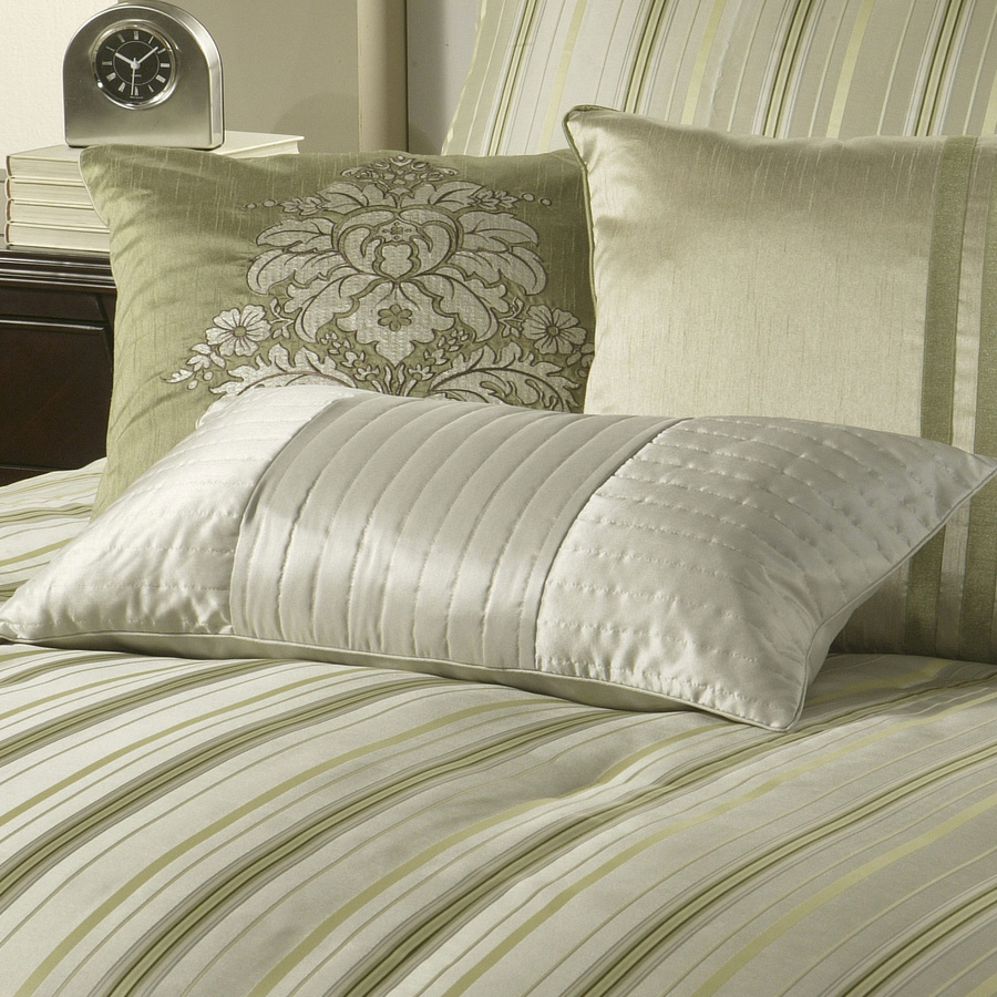Maxie Michael Amini Bedding Collection By AICO Luxury