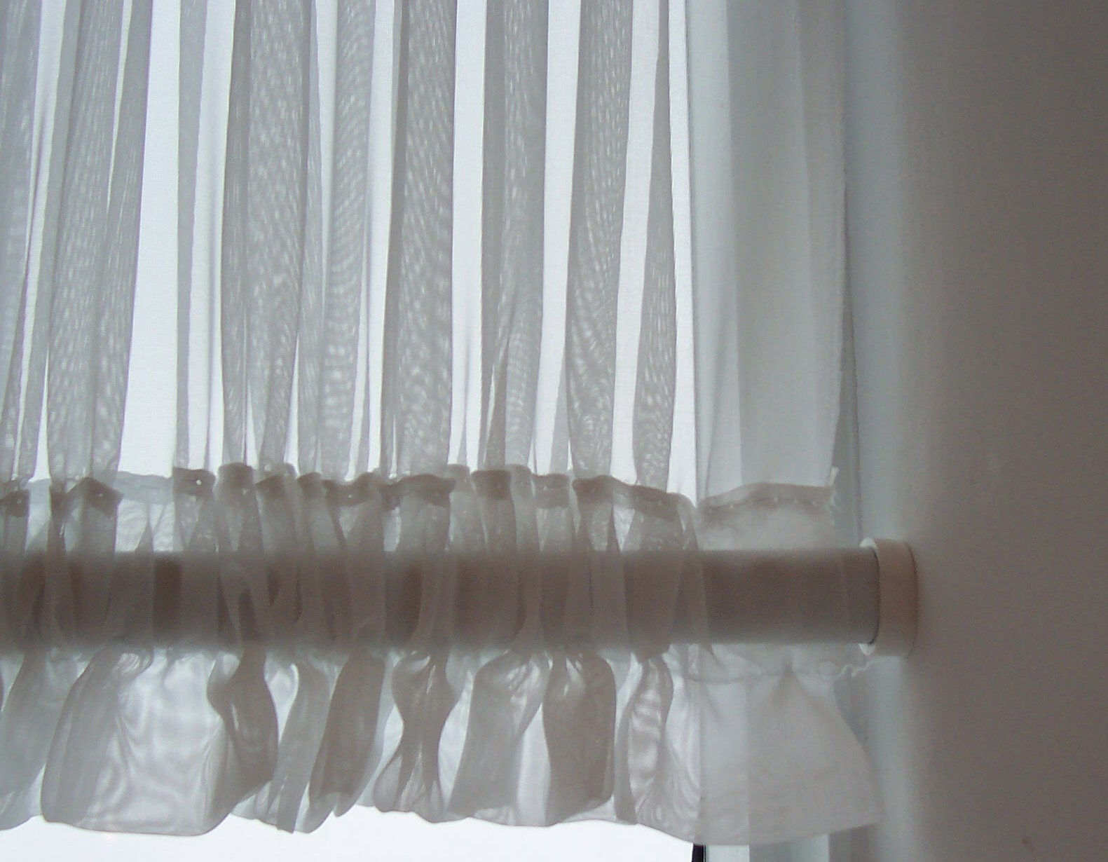 tension and sash curtain rods