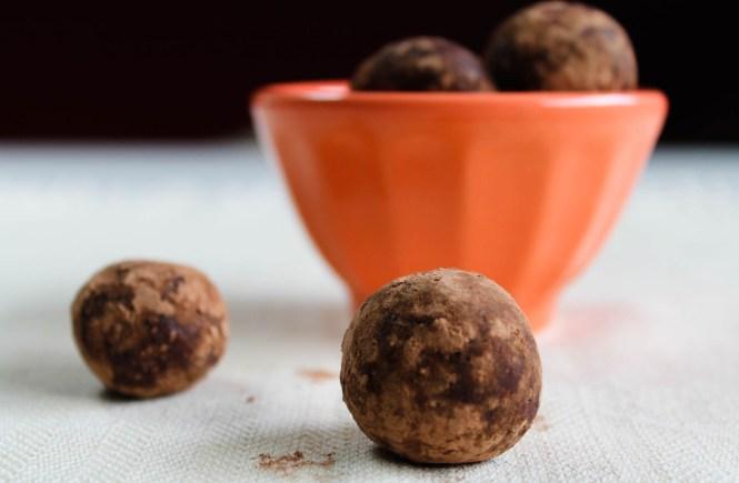 tahini cocoa date balls