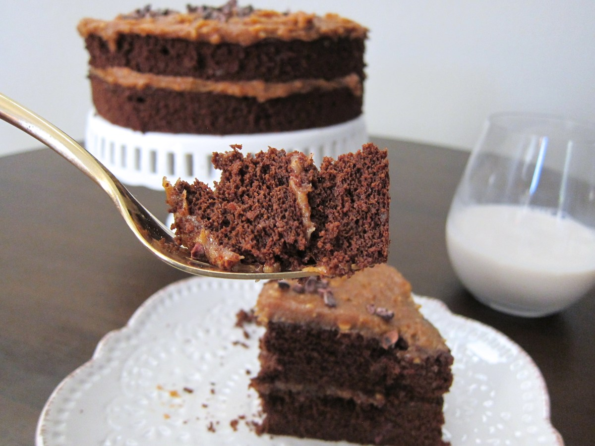 date sweetened chocolate cream cheese frosting