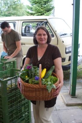 Mitglied Margarete mit ihrem Ernteanteil