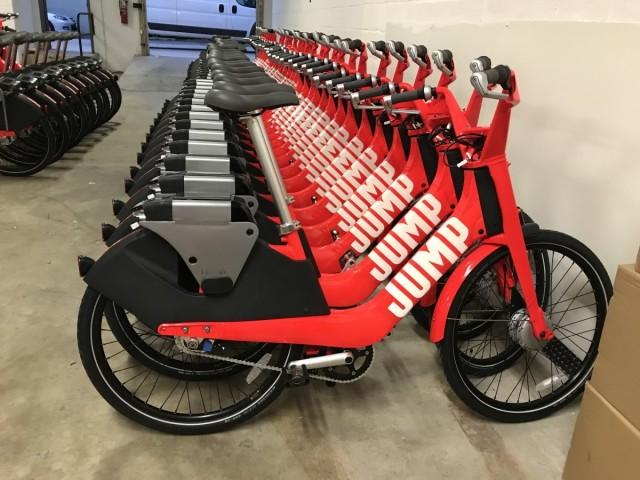半小时9元:Uber在蒙特利尔推出首批电动自行车