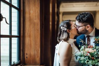 Autumn wedding in London   Marylebone Town Hall elopement photos
