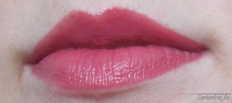 ruj-lichid-revlon-ultra-hd-matte-lips-devotion-swatch