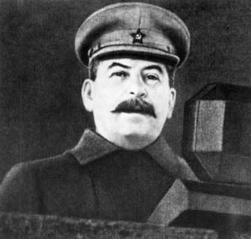 """Й. В. Сталин – """"Реч на парада на Червената армия""""  (7 ноември 1941 г., на Червения площад в Москва)"""