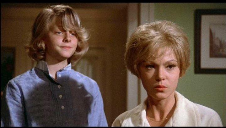 Jodie Foster et Barbara Harris dans Un vendredi dingue, dingue, dingue