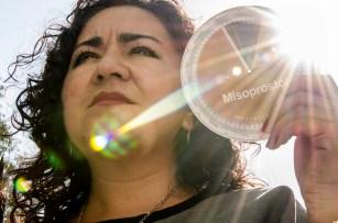 Rosario Espinosa Villegas, es oficial judicial y madre de dos hijos