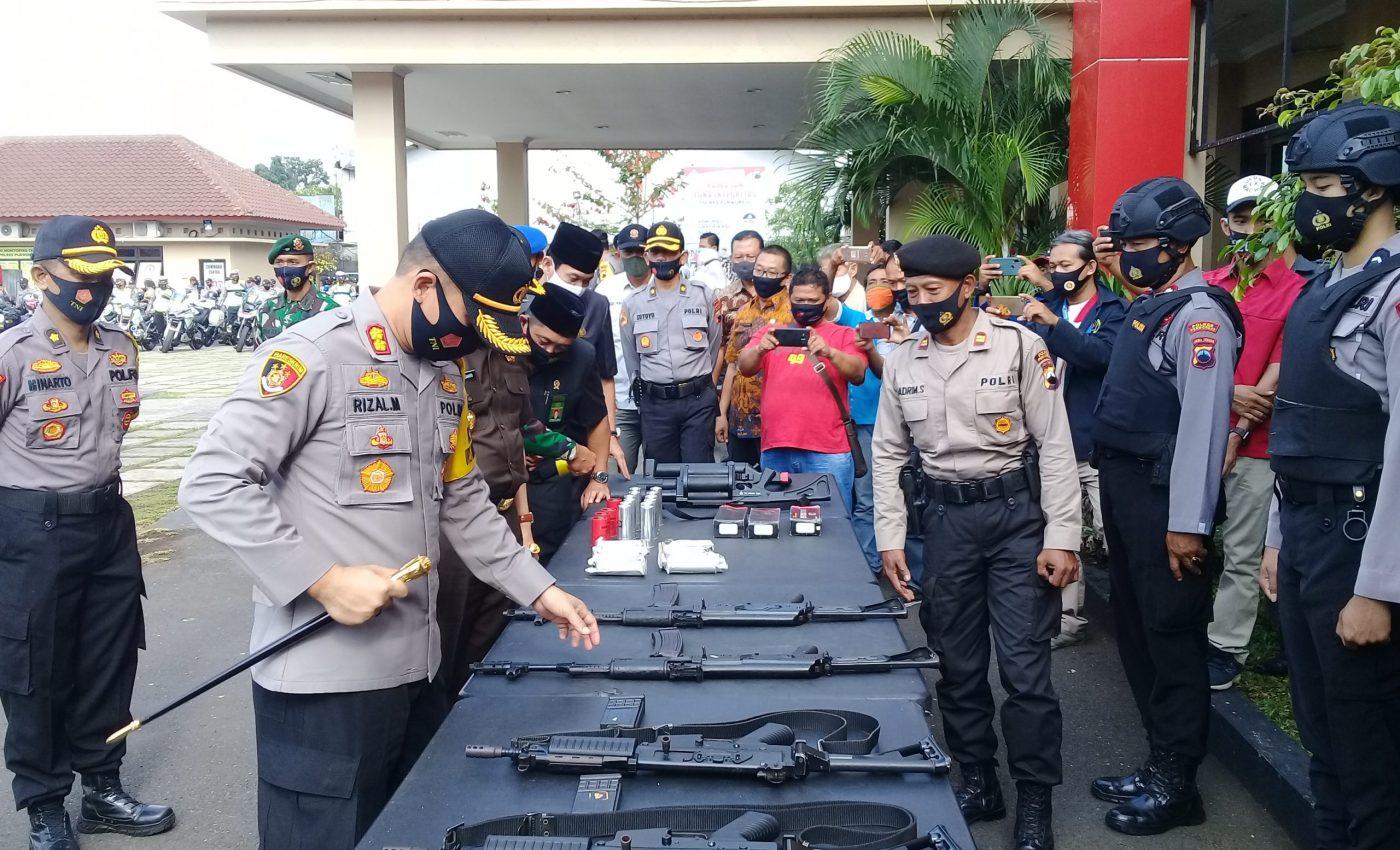 Kapolres didampingi FKPD mengecek Sarana Prasarana