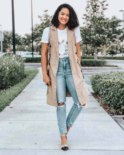 Mom Jeans, Trench Vest, Black and Beige Block Heels, Graphic Tee
