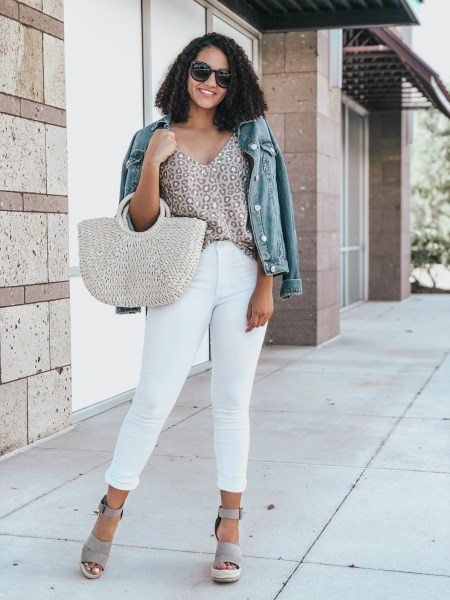 full-body-look-white-jeans
