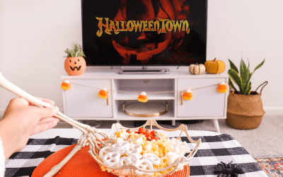 How to Make the Perfect Snack Spread for a Halloween Movie Night