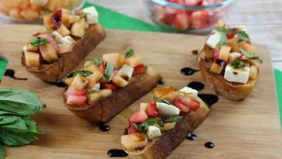 Cantaloupe Prosciutto Bruschetta 1-2
