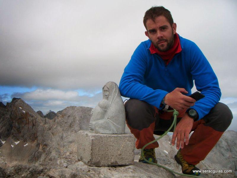 escalada cumbre 1 cara norte Naranjo Picos de Europa SERAC COMPAÑÍA DE GUÍAS