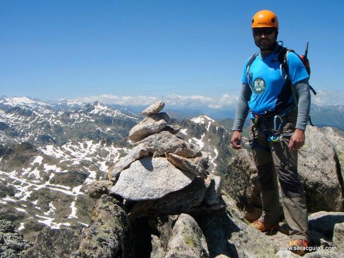 Cresta Amitges Saboredo Sageta Aiguestortes Pirineo 12 SERAC COMPAÑÍA DE GUÍAS