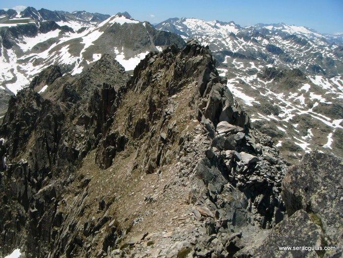 Cresta Amitges Saboredo Sageta Aiguestortes Pirineo 13 SERAC COMPAÑÍA DE GUÍAS