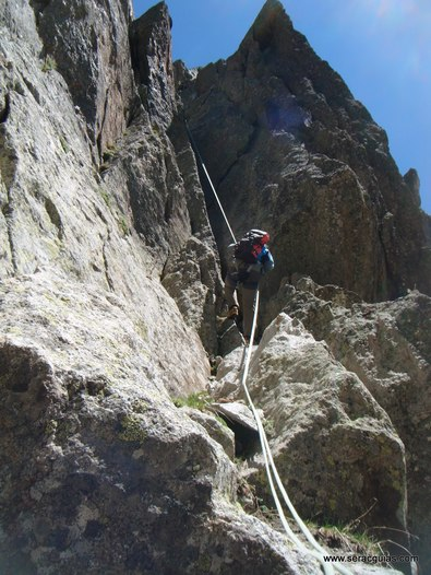 Cresta Amitges Saboredo Sageta Aiguestortes Pirineo 14 SERAC COMPAÑÍA DE GUÍAS