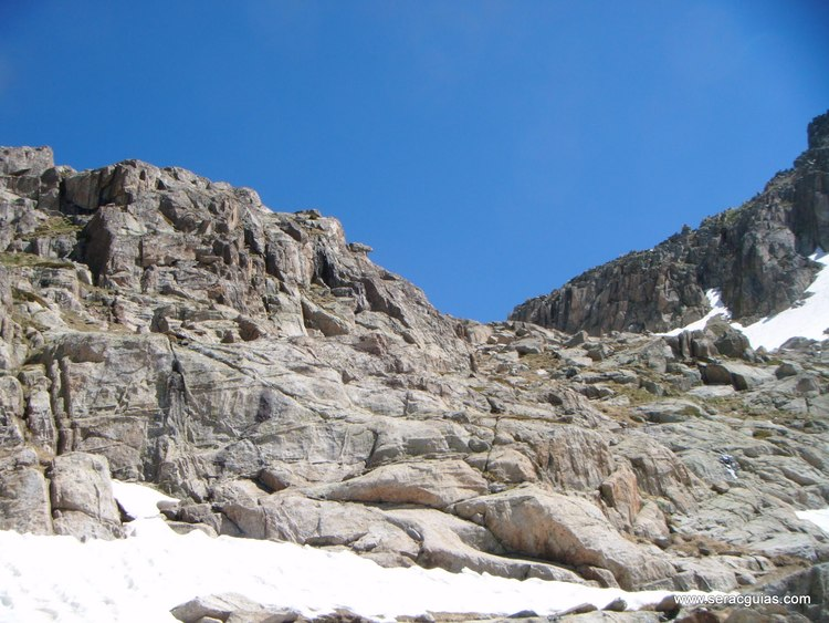 Cresta Amitges Saboredo Sageta Aiguestortes Pirineo 2 SERAC COMPAÑÍA DE GUÍAS