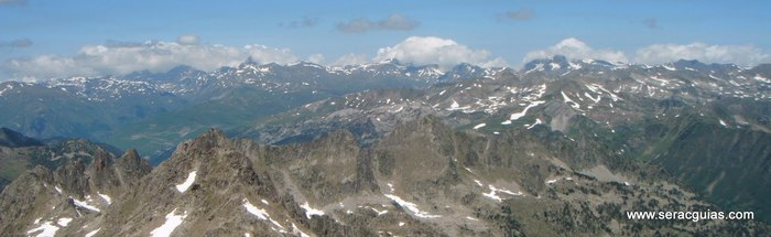 Cresta Amitges Saboredo Sageta Aiguestortes Pirineo 6 SERAC COMPAÑÍA DE GUÍAS
