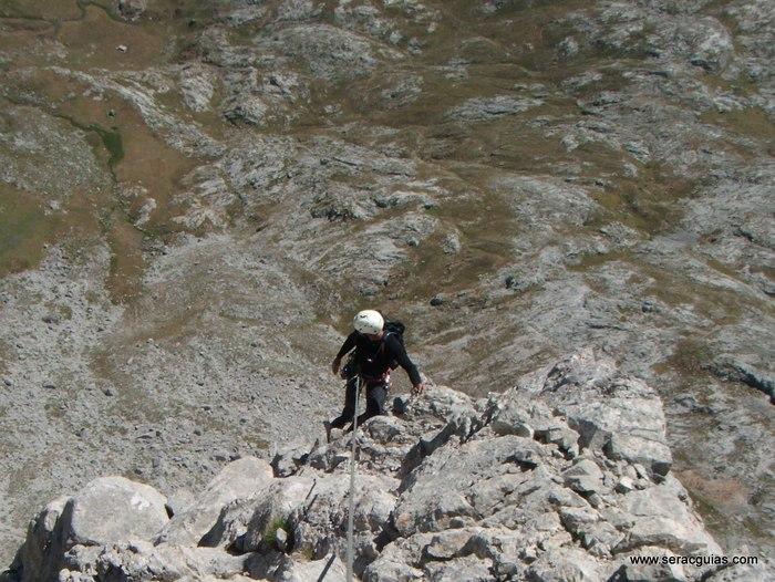 escalada punta covadonga Picos de Europa SERAC COMPAÑÍA DE GUÍAS