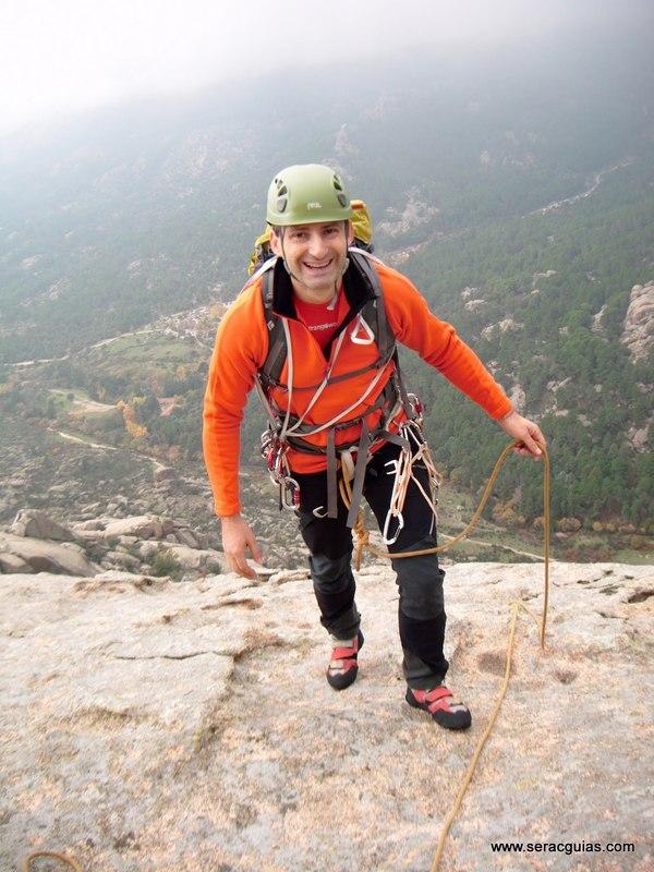 escalada Sirio Yelmo Pedriza 1 SERAC COMPAÑÍA DE GUÍAS