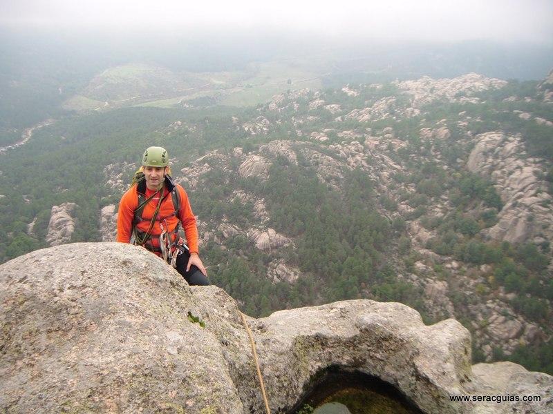 escalada Sirio Yelmo Pedriza 2 SERAC COMPAÑÍA DE GUÍAS